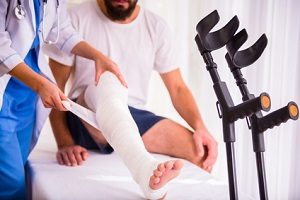 Bei einer Unfallversicherung ist eine Kündigungsfrist von drei Monaten die Regel.