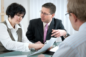 Wechsel der Kfz-Versicherung: Eine Frist ist auch hierbei bezüglich der Kündigung einzuhalten.